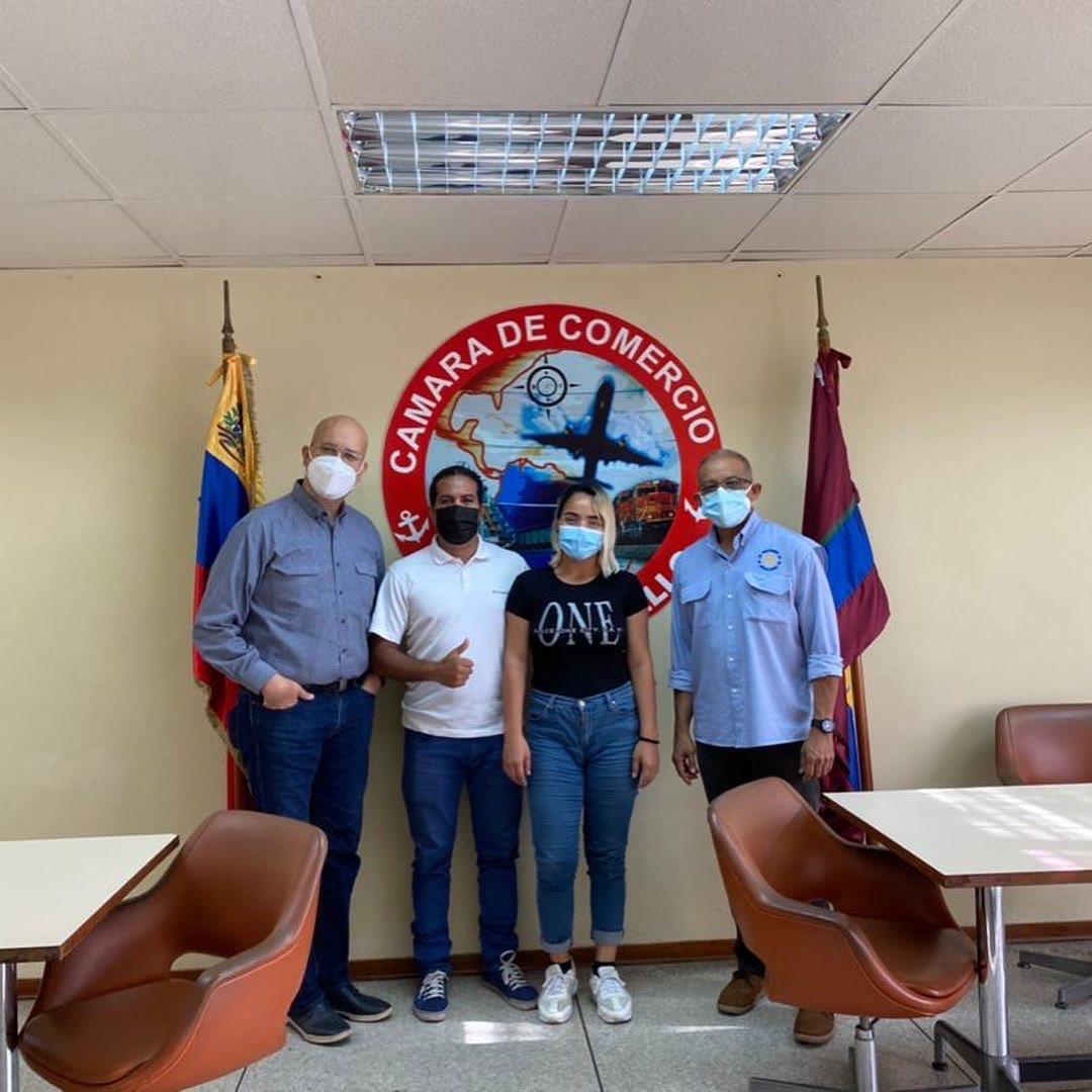 Cámara de Comercio de Puerto Cabello firma convenio con Magialux Estudios